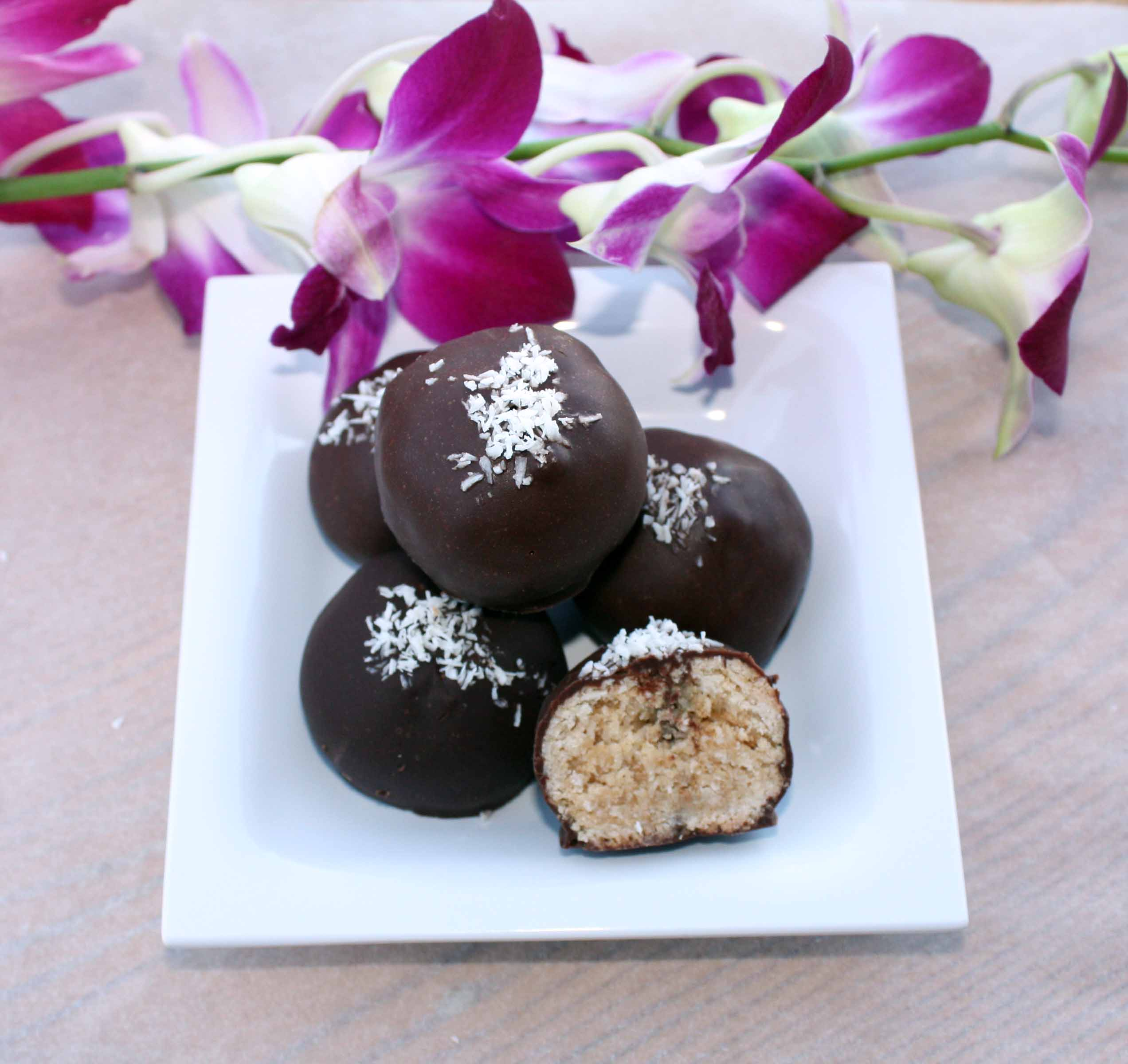 Peanut Butter Coconut Balls- A healthy Holiday Treat4