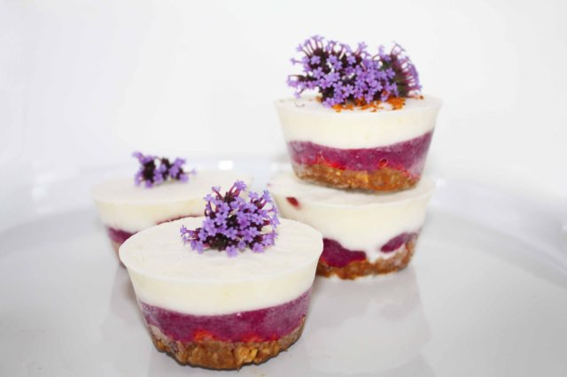raw vegan Berry Cheesecakes